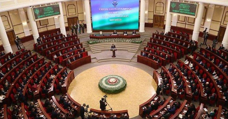 Özbekistan'da hükümet istifa etti